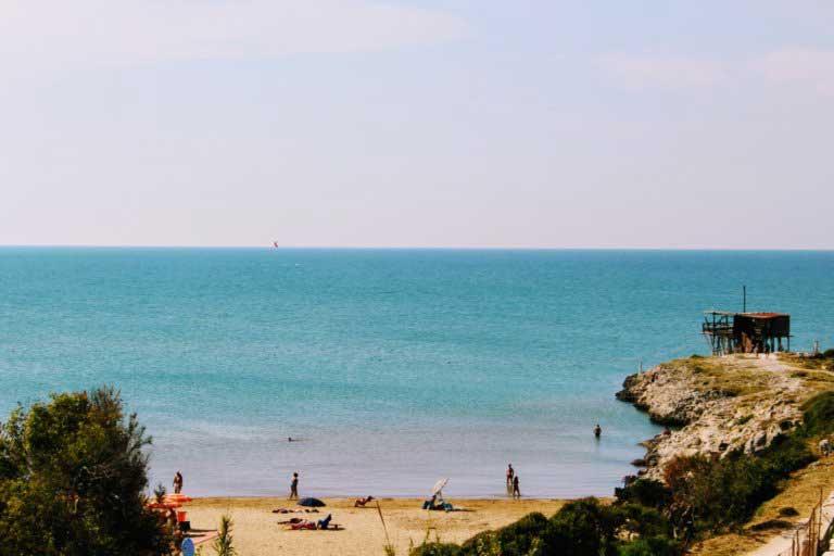 Spiaggia di scialmarino a Vieste